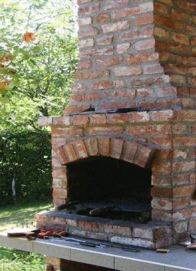 bbq fabrique entièrement en briques